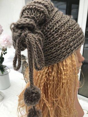 Handmade Chapeau en tricot taupe