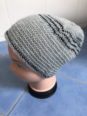 Unikat Einzelstück Knitted Hat black-light grey