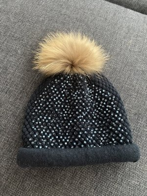 Sombrero de piel azul oscuro