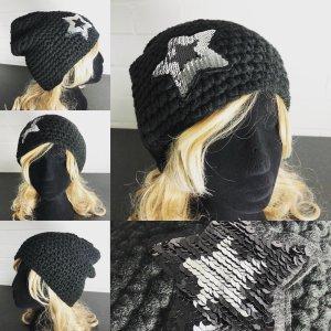 Cappello all'uncinetto nero