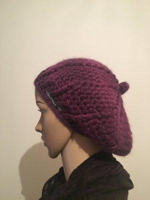 Gorro púrpura-violeta amarronado