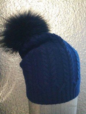 Mütze in Blau Zopfmuster mit Echtfell Bommel Neu