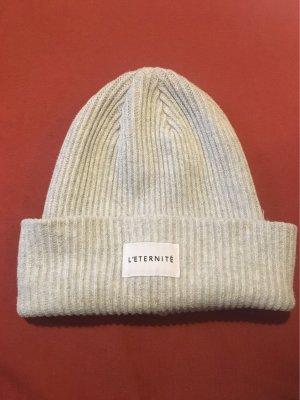 Mütze in grau