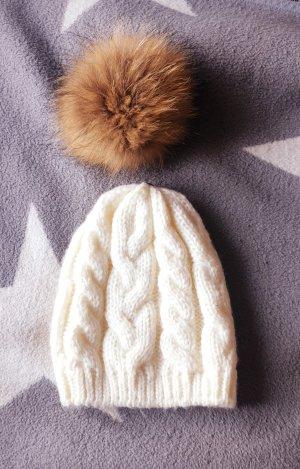 Mütze mit abnehmbarem Fellbommel