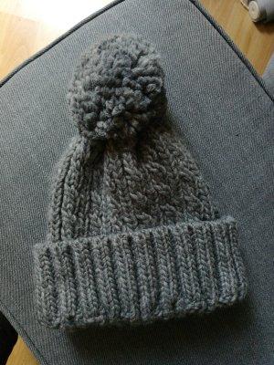Forever 21 Chapeau pointu gris
