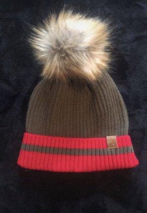 Chapeau en fourrure rouge-taupe