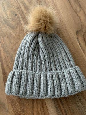 Knitted Hat light grey-beige