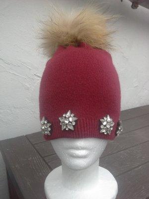 Chapeau en tricot beige-rouge foncé