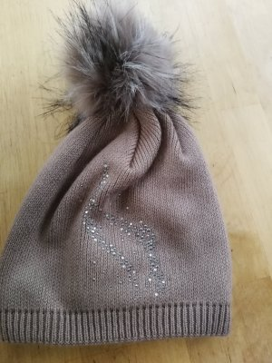 Bobble Hat grey brown