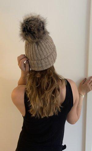Sombrero de punto beige-camel