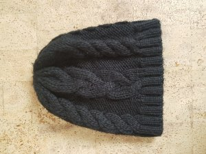 Pieces Knitted Hat black
