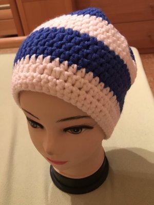 Unikat Einzelstück Bonnet en crochet blanc-bleu