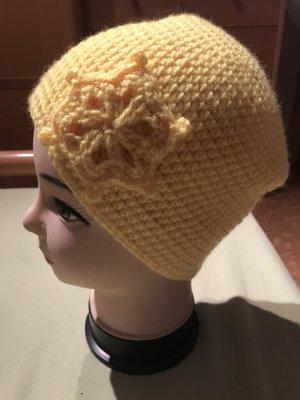 Unikat Einzelstück Crochet Cap yellow
