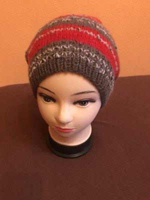 Unikat Einzelstück Crochet Cap grey-brick red