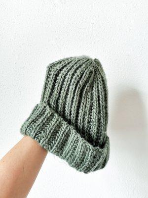 Zara Cappello a maglia grigio-verde-verde chiaro