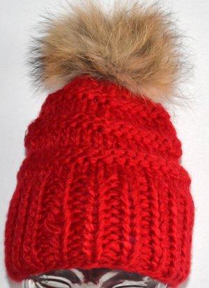 Wełniana czapka czerwony