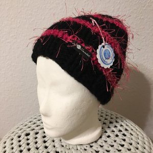 Knitted Hat black-pink