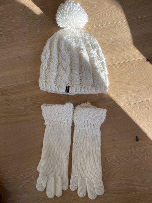 Esprit Futrzana czapka w kolorze białej wełny-biały