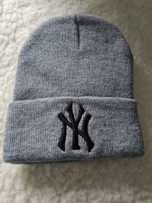 (The Mercer) NY Knitted Hat grey