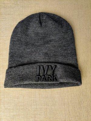 Ivy Park Cappello con pon pon grigio scuro-antracite