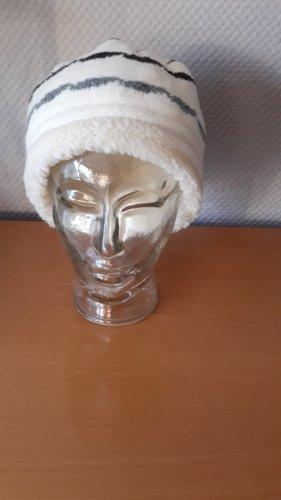 Mütze von Mc Burn