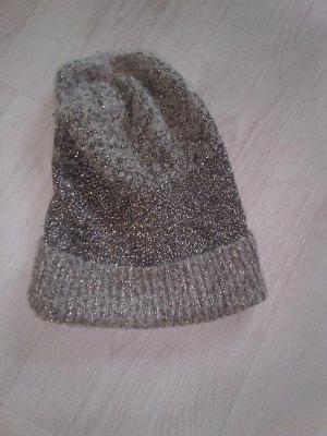 Zara Cappello all'uncinetto argento-grigio chiaro