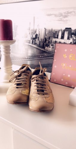 Munich Sneakers in Gold