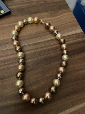 Collana di conchiglie argento-oro