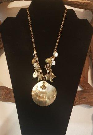 Collar de conchas color oro-crema