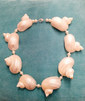 Shell Necklace cream