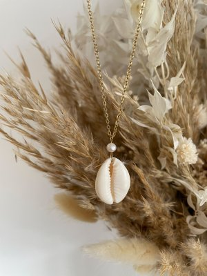 Purelei Shell Necklace natural white-gold-colored