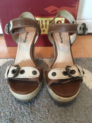 Mustang Plateauzool sandalen room-zandig bruin