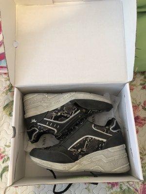 Mustang Zapatillas con tacón negro-color plata