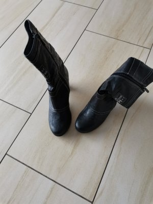 Mustang Short Boots black-dark brown