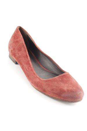 n.d.c. Bailarinas con tacón Mary Jane rojo amarronado look casual