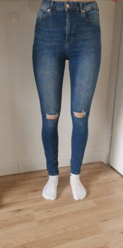 NA-KD Destroyed Jeans Gr. 36