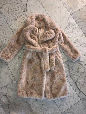 NA-KD Manteau en fausse fourrure crème