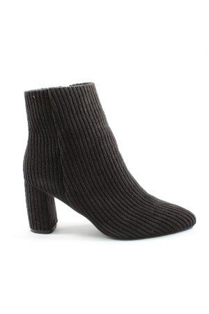NA-KD Korte laarzen zwart casual uitstraling