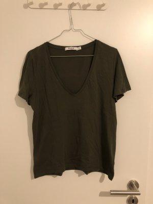NA-KD T-Shirt mit V-Ausschnitt