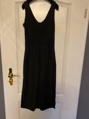 Nachhaltiges schönes Kleid mit Seitenschlitz