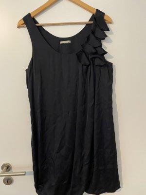 nachtblaues Kleid