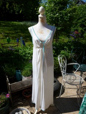 Negligee natural white