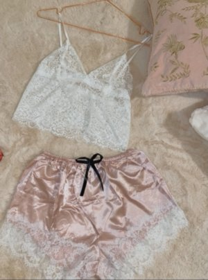 Set lingerie color oro rosa