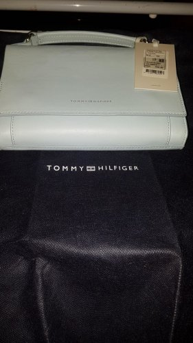 Nagel neue  mit Etikett orginal Tommy Hilfiger Damen Trage und Umhängetasche echt Leder in hellblau!!