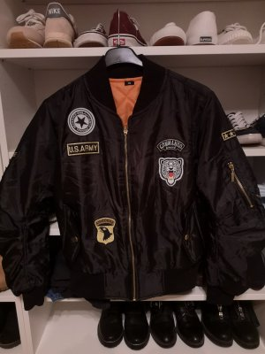Nagelneue Bomberjacke in schwarz gr. XS blazer schwarz gr. 34