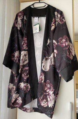 Nagelneue, ungetragene Jacke bzw. von Puma als Kimono bezeichnet , designed by Kenza in einer Special Edition in S !