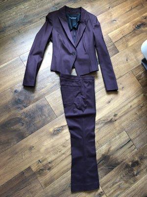 Nagelneuer Drykorn-Anzug in bordeauxrot