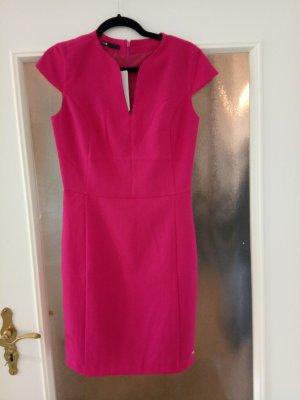 Nagelneues Business-Kleid in pink