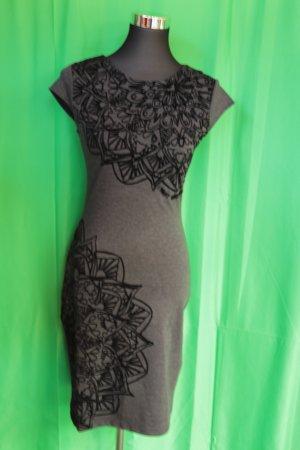 Nagelneues DESIGUAL Kleid
