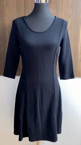 Nagelneues Taifun 3/4 - Ärmel Kleid, dunkel schwarz, Größe 38, Neu mit Etikett, NP: 99,99€
